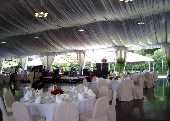 Luxury Decorated Temporary Wedding Party Tent With Lining For 300 People